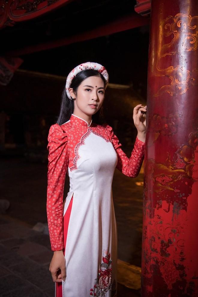 Hoa hậu Ngọc Hân mời người khuyết tật trình diễn áo dài ảnh 1