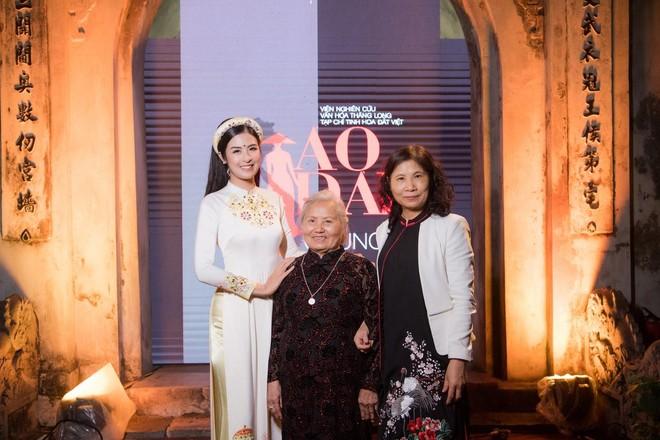 Hoa hậu Ngọc Hân mời người khuyết tật trình diễn áo dài ảnh 16