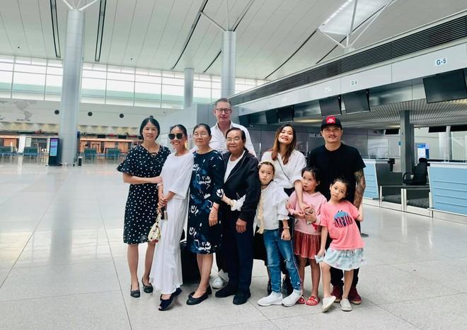 Ca sĩ Đoan Trang theo chồng ra nước ngoài sinh sống ảnh 1