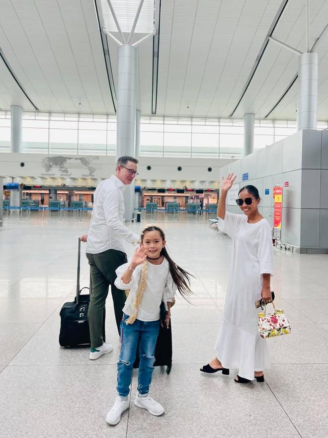Ca sĩ Đoan Trang theo chồng ra nước ngoài sinh sống ảnh 2