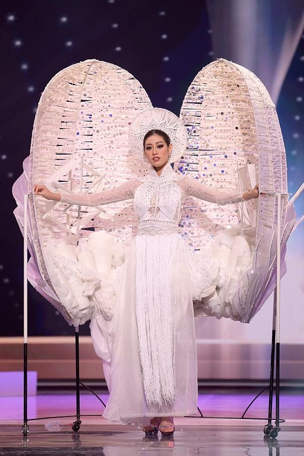 """Khánh Vân """"mất điểm"""" tại phần thi trang phục dân tộc """"Miss Universe 2021"""" ảnh 3"""