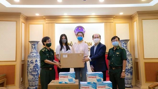 """Các Hoa hậu, Á hậu đóng góp vào dự án """"Triệu liều vaccine cho công nhân nghèo"""" ảnh 2"""