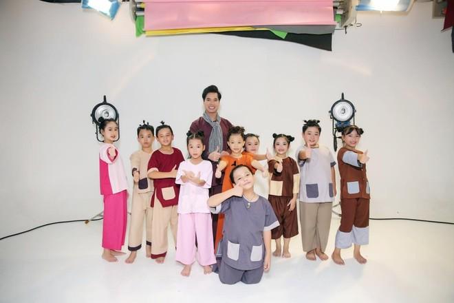 Ngọc Sơn ra MV đặc biệt dành tặng các em nhỏ ảnh 1