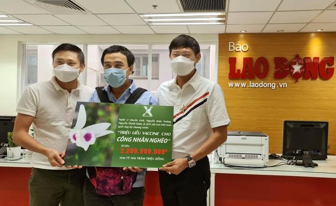 Quyền Linh và bạn bè ủng hộ 2,2 tỷ mua vaccine cho người nghèo ảnh 2