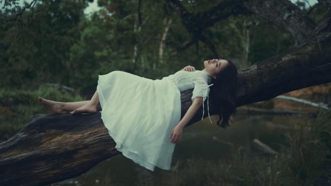 Nữ ca sĩ Việt được hãng Universal ký độc quyền tung MV mới ảnh 2