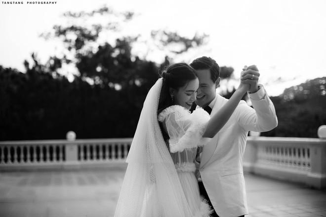 Hồ Ngọc Hà tung ảnh cưới, hé lộ lý do yêu và cưới Kim Lý ảnh 1