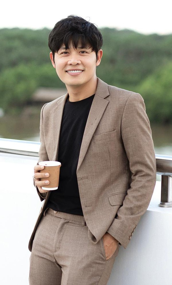 """Nhạc sĩ Nguyễn Văn Chung gây """"sốt"""" với """"Bài ca khu cách ly"""" ảnh 1"""