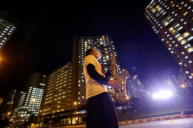 Buổi biểu diễn đặc biệt của nghệ sĩ saxophone Trần Mạnh Tuấn ảnh 1