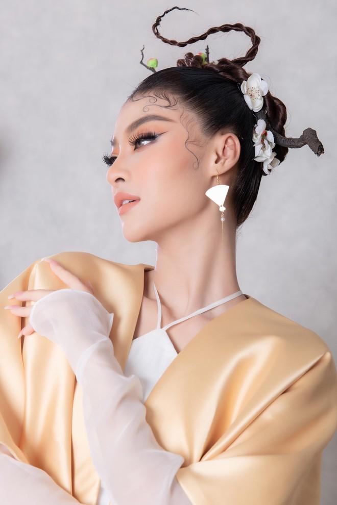 Á hậu Kiều Loan đưa bài thơ của Mãn Giác thiền sư vào nhạc Rap ảnh 1