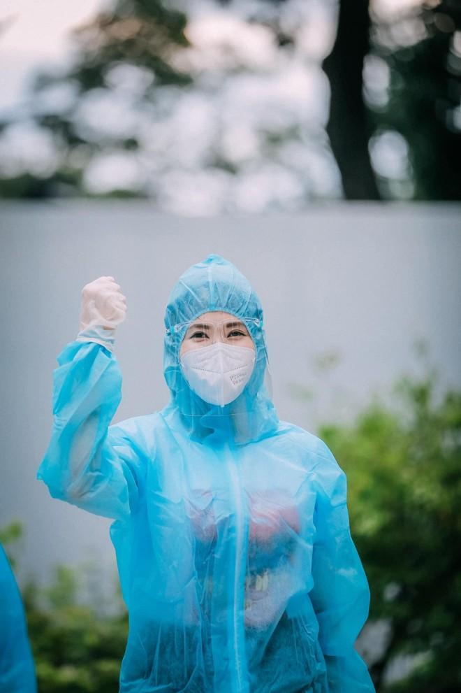 MC Quỳnh Hoa kể về bông hoa đặc biệt tại bệnh viện dã chiến TP.HCM ảnh 4