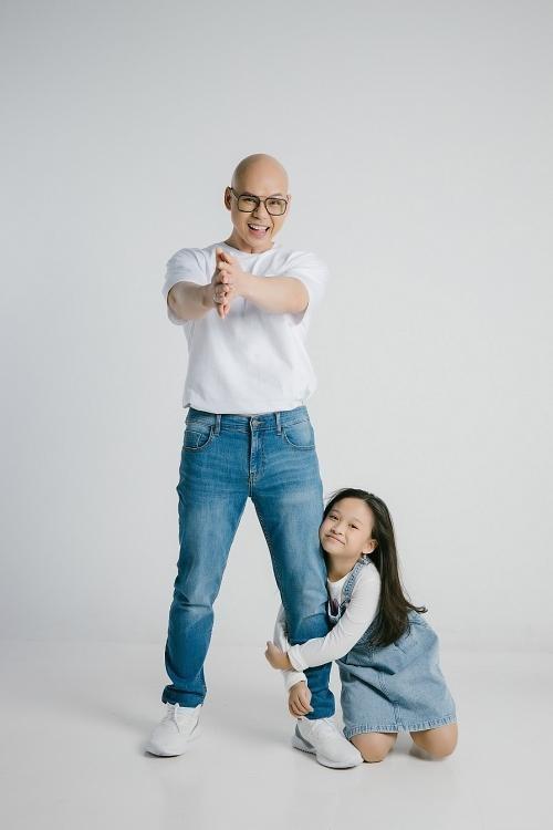 """Phan Đinh Tùng rủ con gái song ca bài hát mới """"Cô Vy, em đi đi"""" ảnh 1"""