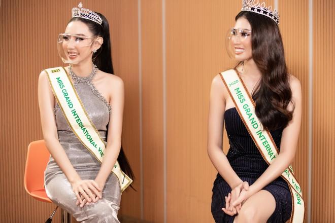 """Thùy Tiên chọn trang phục """"Thiên thần"""" mang đến """"Hoa hậu Hòa bình thế giới 2021"""" ảnh 1"""
