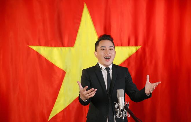 """Tiết lộ đặc biệt của ca sĩ Tùng Dương khi làm mới ca khúc """"Quốc ca"""" ảnh 1"""