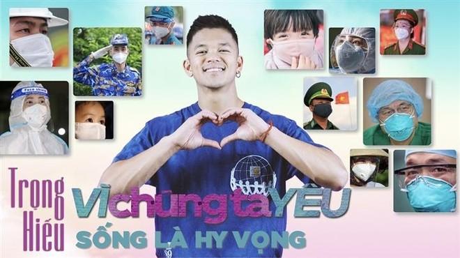 Từ Đức, ca sĩ Trọng Hiếu ra MV cổ vũ tinh thần Việt Nam chống dịch Covid-19 ảnh 1