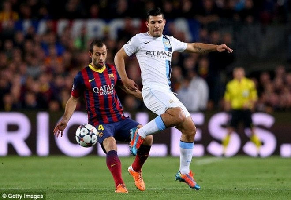 """Thua Barca, Man City """"thiệt đơn, thiệt kép"""" ảnh 1"""