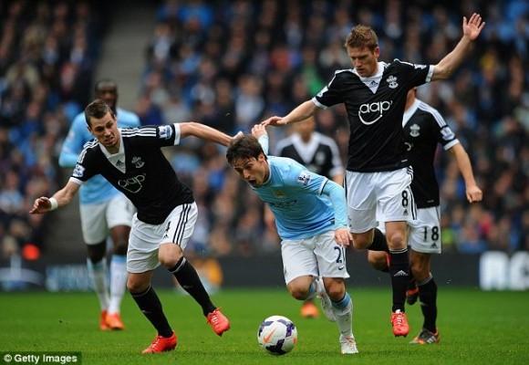 Nasri ghi bàn thắng tranh cãi, Man City thắng dễ Southampton ảnh 1