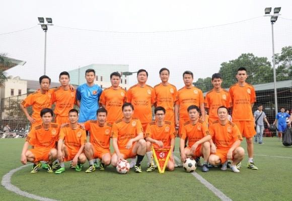 Bộ trưởng Đinh La Thăng sát cánh cùng các cựu danh thủ giành cúp vô địch ảnh 4