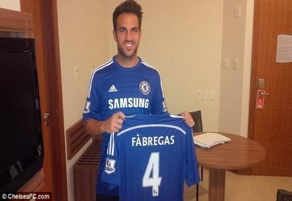 Nóng: Chelsea chính thức chiêu mộ Cesc Fabregas với 30 triệu bảng ảnh 1