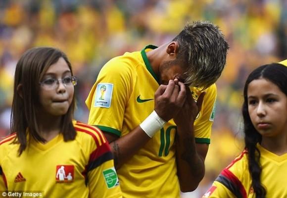 Neymar nức nở khi cử hành quốc ca Brazil ảnh 1