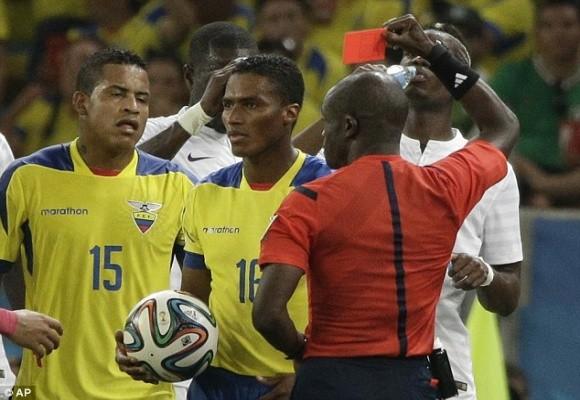 Shaqiri lập hat-trick, Thụy Sĩ theo Pháp vào vòng 16 đội ảnh 4