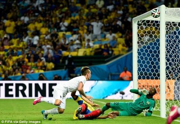 Shaqiri lập hat-trick, Thụy Sĩ theo Pháp vào vòng 16 đội ảnh 5