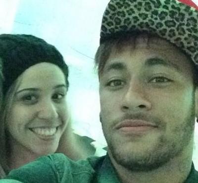 Mê mải Facebook và Instagram, Neymar lộ chuyện trốn tập ở Barca ảnh 4
