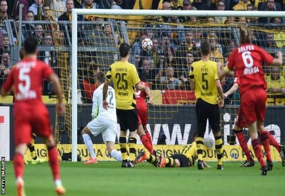 Choáng váng với bàn thua nhanh nhất lịch sử Bundesliga của Dortmund ảnh 1