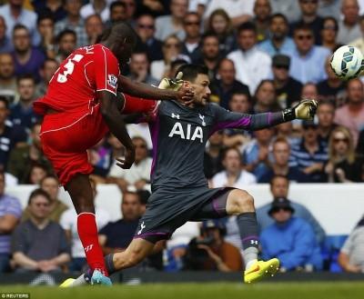 Bỏ lỡ nhiều cơ hội ngon ăn, Balotelli vẫn ra mắt hoàn hảo trong màu áo Liverpool ảnh 2