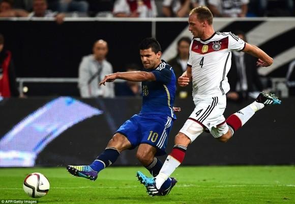 """Tân binh M.U toả sáng rực rỡ, Argentina """"trả nợ"""" World Cup trước người Đức ảnh 1"""