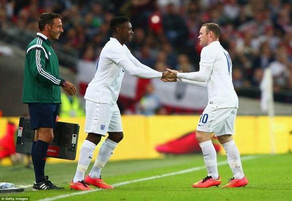 """Chùm ảnh: Rooney lập công """"rửa"""" băng đội trưởng Tam Sư ảnh 9"""