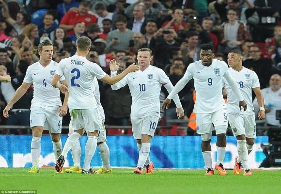 """Chùm ảnh: Rooney lập công """"rửa"""" băng đội trưởng Tam Sư ảnh 8"""
