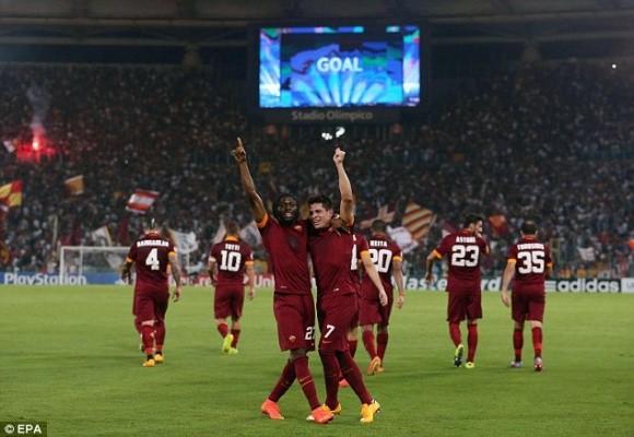 """Thảm bại ở Roma, hooligan Nga lao vào """"tẩn"""" các tifosi trên khán đài ảnh 1"""