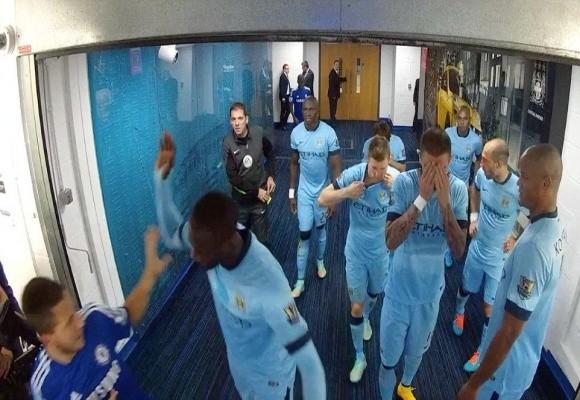 """Lộ clip sao Man City và Chelsea """"tẩn"""" nhau trong đường hầm ảnh 3"""