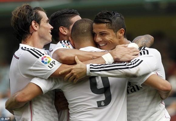 CR7 lỡ kỷ lục phá lưới, Messi cán mốc 400 bàn thắng ảnh 1