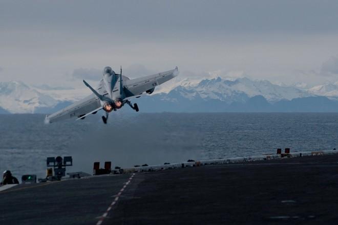 [ẢNH] Siêu tàu sân bay Mỹ trước nguy cơ bị vô hiệu hoá lần 2 bởi dịch Covid-19 ảnh 4