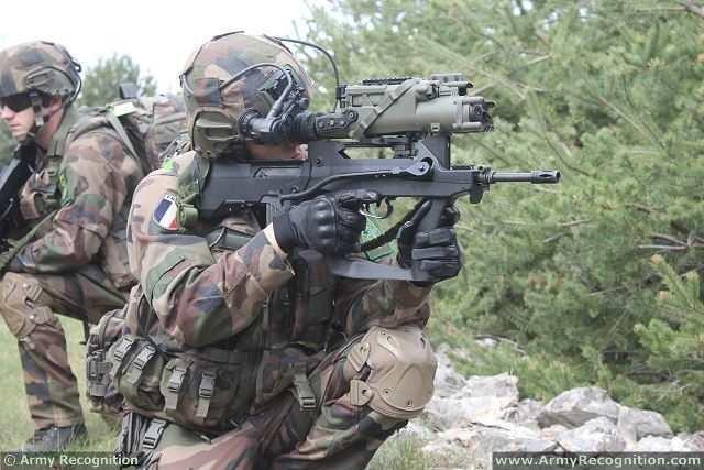 [ẢNH] Biểu tượng Famas của binh lính Pháp bị thay thế ảnh 6