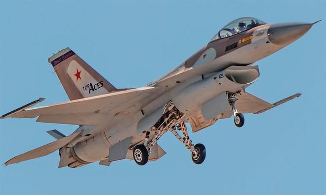 [Info] Tiêm kích F-16 tư nhân đầu tiên cất cánh ảnh 1