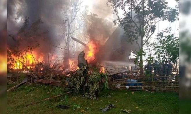 [Info] C-130 Philippines chở 92 người bị rơi, ít nhất 17 người thiệt mạng ảnh 1