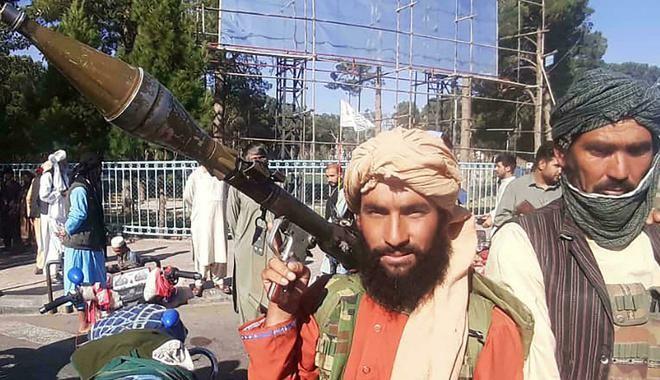 [Info] Trực thăng Mỹ quần thảo trên đại sứ quán trong lúc Taliban tiến vào thủ đô Kabul ảnh 4
