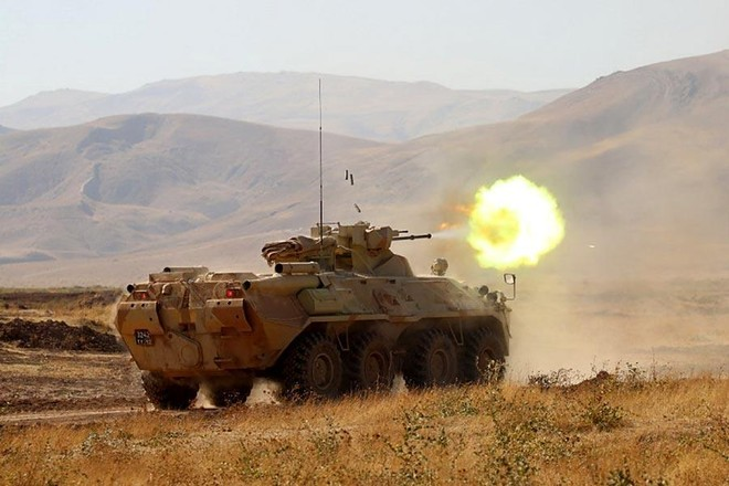 [Info] Quân đội Nga tin dùng 'báo thép' BTR-82A để lập phòng tuyến trước Taliban ảnh 1