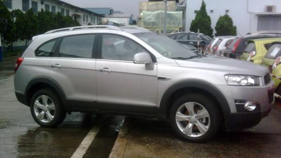 Lộ ảnh Chevrolet Captiva và Orlando MPV 2011 tại VN ảnh 1