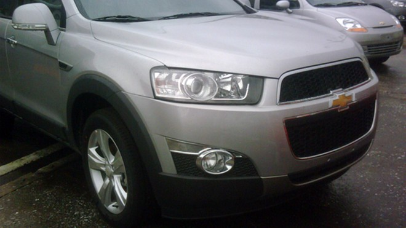 Lộ ảnh Chevrolet Captiva và Orlando MPV 2011 tại VN ảnh 2