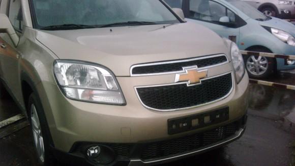 Lộ ảnh Chevrolet Captiva và Orlando MPV 2011 tại VN ảnh 7