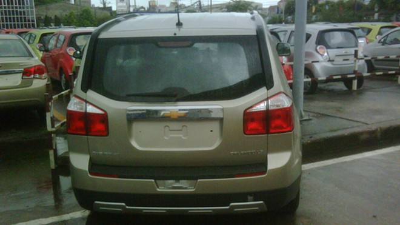 Lộ ảnh Chevrolet Captiva và Orlando MPV 2011 tại VN ảnh 8