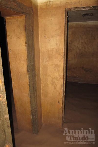 Chui vào từng ngõ ngách căn hầm dưới KS Metropole Hà Nội ảnh 4