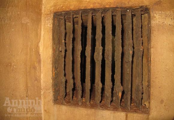 Chui vào từng ngõ ngách căn hầm dưới KS Metropole Hà Nội ảnh 12