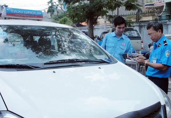 """Doanh nghiệp taxi có nhiều """"mánh"""" để lách luật ảnh 1"""
