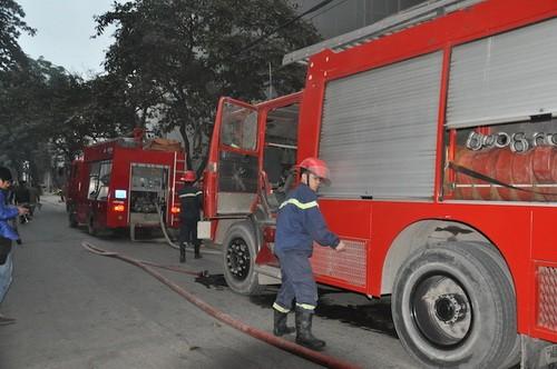 """Cháy lớn tại """"Trung tâm điều hành & Thông tin viễn thông"""" Điện lực VN ảnh 3"""