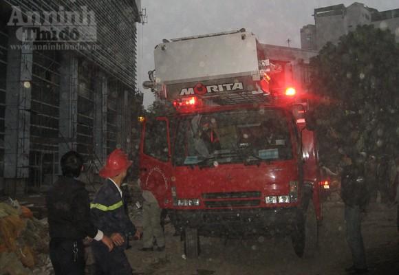Những hình ảnh đáng sợ về vụ cháy nhà 33 tầng của Điện lực Việt Nam ảnh 8