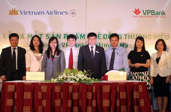 VPBank và Vietnam Airlines cùng nhau ra loại thẻ mới ảnh 1